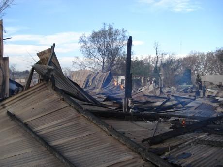 Cerca de las ocho Bomberos terminaron de combatir las llamas